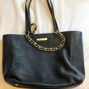Beautiful, rarely used leather Michael Kors purse